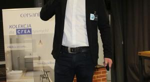 Sebastian Sklepik, reprezentant frmy Jawor-Parkiet.JPG