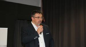 Krzysztof Kopyczyński, reprezentujący markę Finishparkiet.JPG