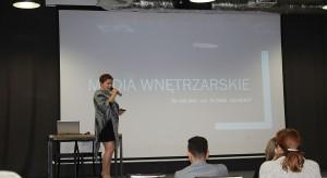 Justyna Łotowska, reprezentująca redakcje Dobrze Mieszkaj i Świat Łazienek i Kuchni, zachęcała do współpracy z mediami wnętrzarskimi.JPG
