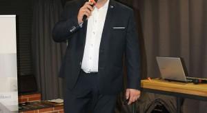 Krzysztof Kopyczyński, reprezentujący markę Finishparkiet (2).JPG