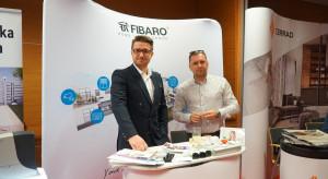 18_Stoisko Partnera Głównego, firmy Fibaro_DSC02177.png
