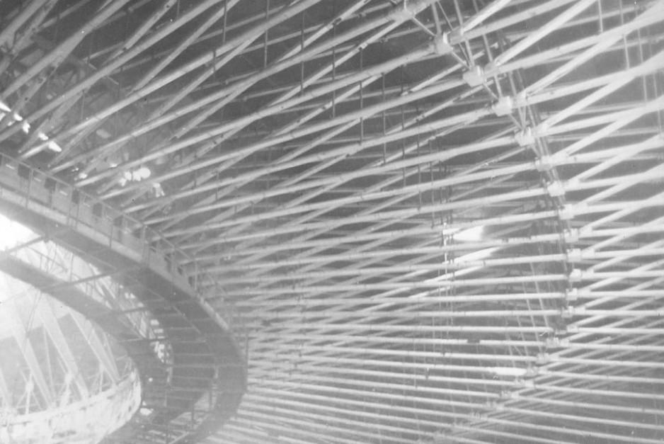 08 w budowie trybuny, konstrukcja dachu 2.jpg