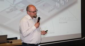 Artur Sieczka, reprezentujący markę Cerrad.JPG