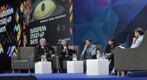 panel go global.JPG