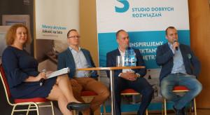 024_Materiały - co nowego. Dyskusja podsumowująca z udziałem przedstawicieli firm Wytwórnia Parkietów Dąbex i Hörmann Polska.JPG